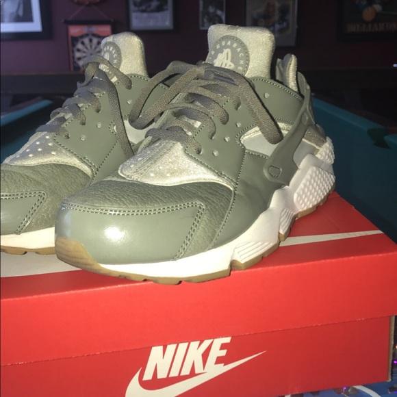Nike Huarache Light Greenwhite Women